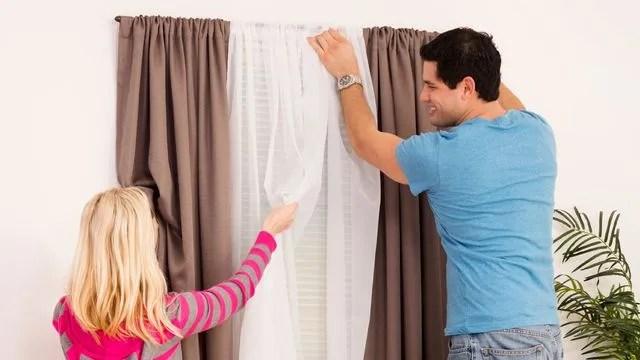 comment poser des rideaux cote maison