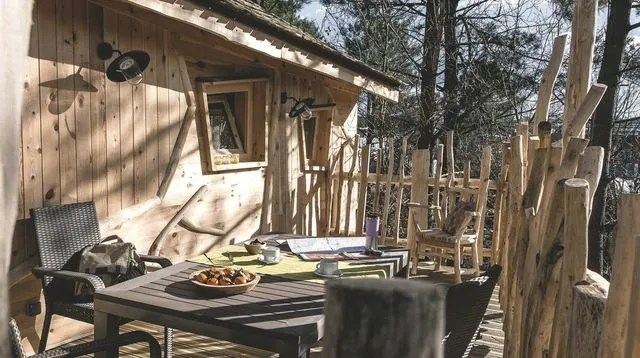 cuisine en bois nature et decouverte