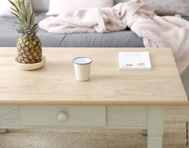 Repeindre une vieille table en bois  Ct Maison