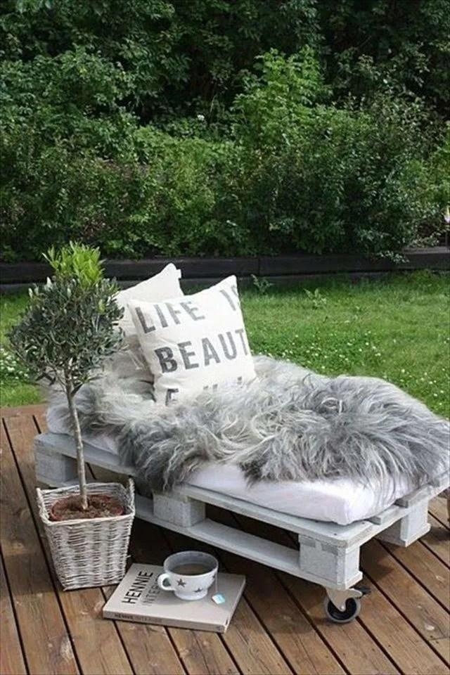 meuble de jardin en palette de bois
