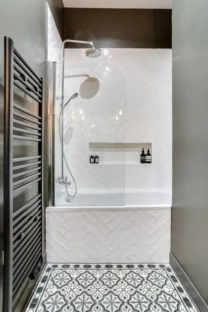 moyenne salle de bain