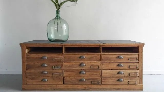 Poncer et restaurer un meuble ancien  Ct Maison