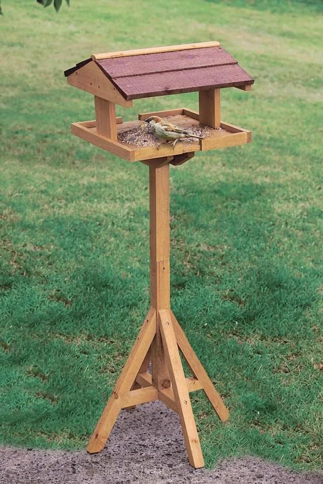 mangeoire oiseaux cote maison