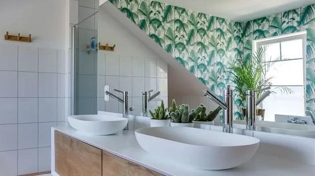 salle de bains quand les murs font la deco