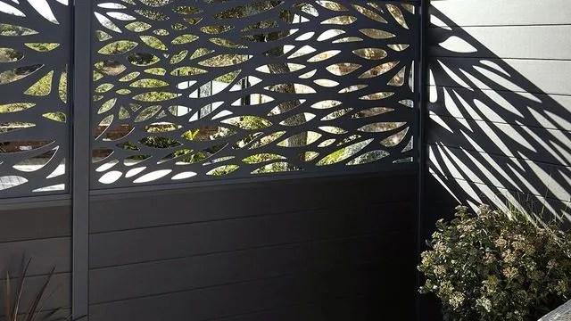 brise vue en aluminium ajoure cote maison