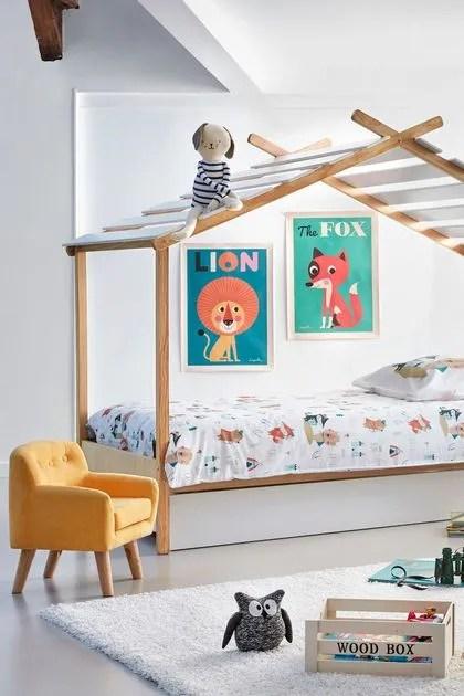lit cabane cote maison