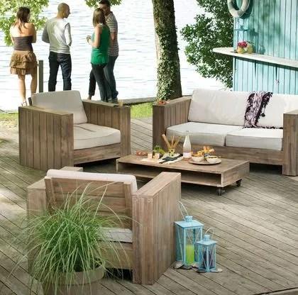 salon de jardin beau et confortable