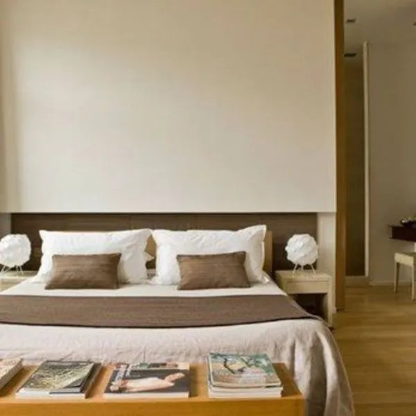 10 ttes de lits sobres et jolies  Ct Maison