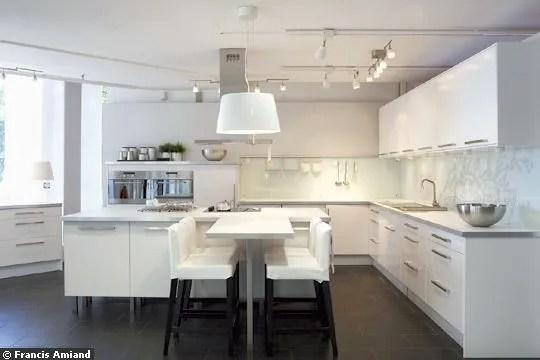 Cuisine Ikea  dcouvrez le nouveau magasin 100  cuisine  Ct Maison