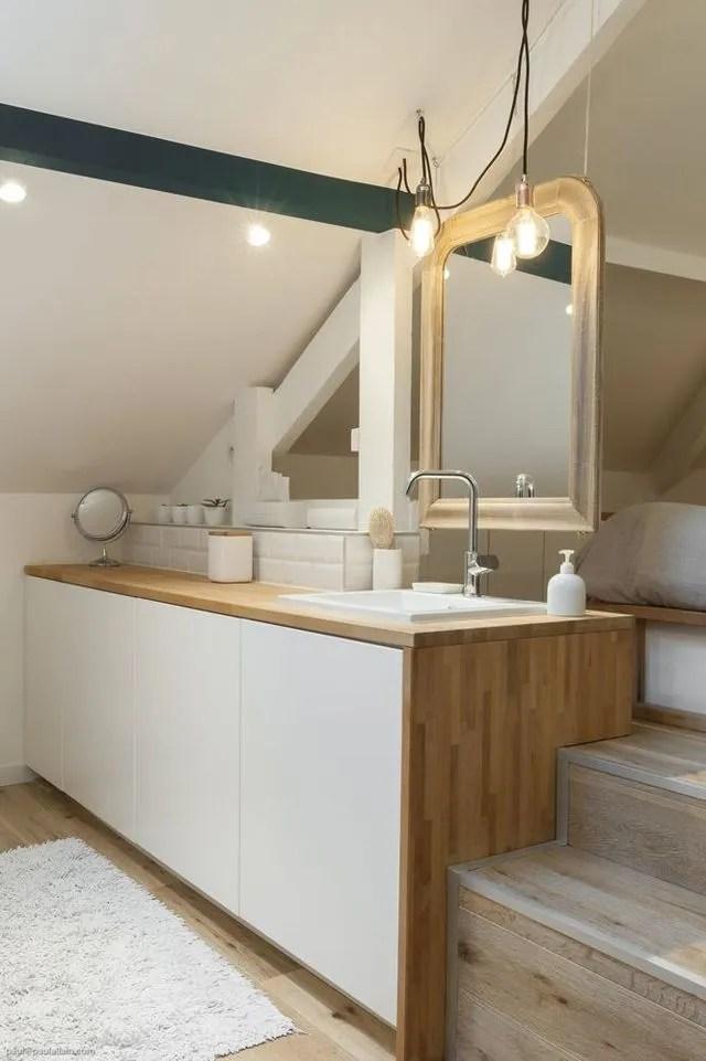 Combles amnags  une chambre avec salle de bains  Ct Maison