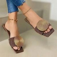 여성신발 슬리퍼 토앤토 쪼리 샌들 캐주얼 플립플롭 2021 새로운 여름 플랫 플러스 사이즈 라운드 버클 솔리드 플랫 패션 비치 신발 (POP 5879231220)