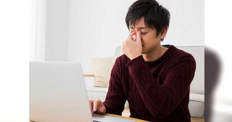 國人每日平均使用3C商品時間超過9小時以上,容易造成疲累、酸澀不適的狀況。