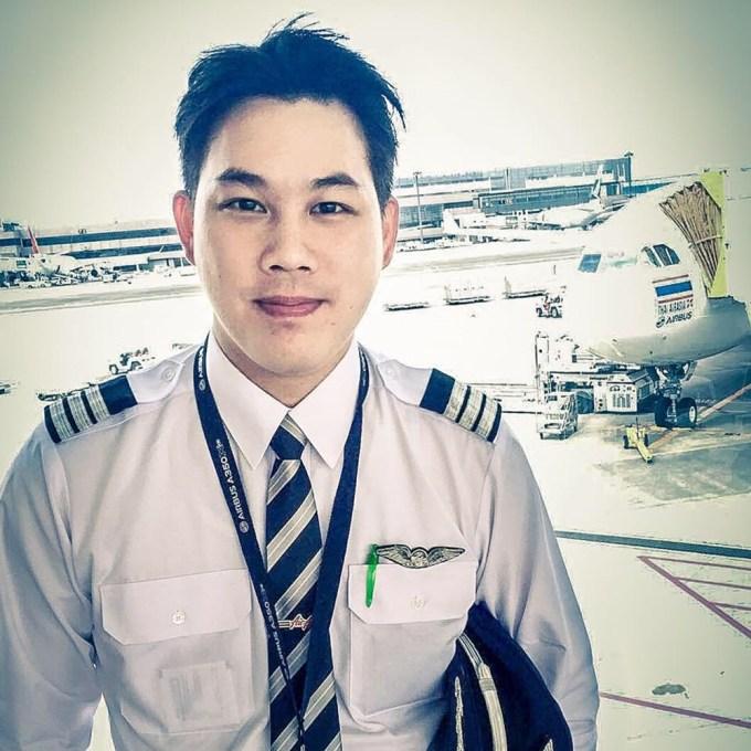【哀悼の意に感動】 国王死去を悲しむタイ人パイロットが日本で受けた「思いやりの心」