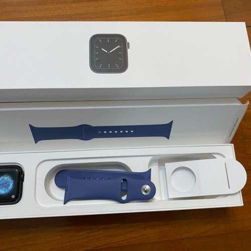 Apple Watch Series 5 - DCFever.com