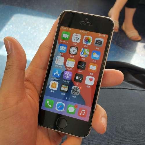 IPhone se 32gb 黑色港版 - DCFever.com