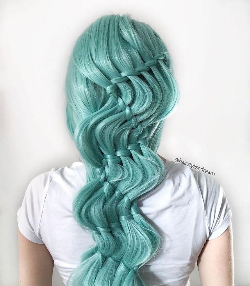5fc4a339cb3ee hairstyles patterns teenager milena germany17 5f50e4cc6eda0  700 - Menina Hairstyler de 17 anos faz sucesso nas Redes Sociais