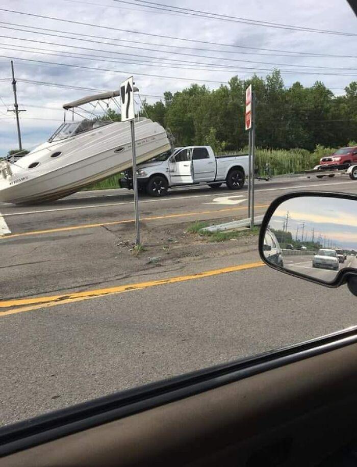 """610a3adaa89a0 bad drivers funny pics 20 60fe7e2c6502b  700 - Fotos revelam como muitos motoristas são """"vida loka"""" ou simplesmente sem noção"""