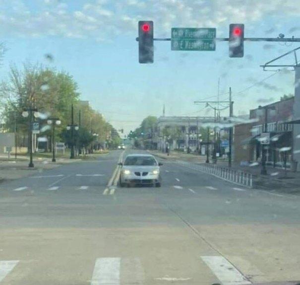 """610a3adb8e72f bad drivers funny pics 89 60fec853d1e84  700 - Fotos revelam como muitos motoristas são """"vida loka"""" ou simplesmente sem noção"""