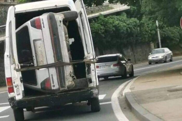 """610a3adbf119f bad drivers funny pics 24 60fe7e74a926b  700 - Fotos revelam como muitos motoristas são """"vida loka"""" ou simplesmente sem noção"""