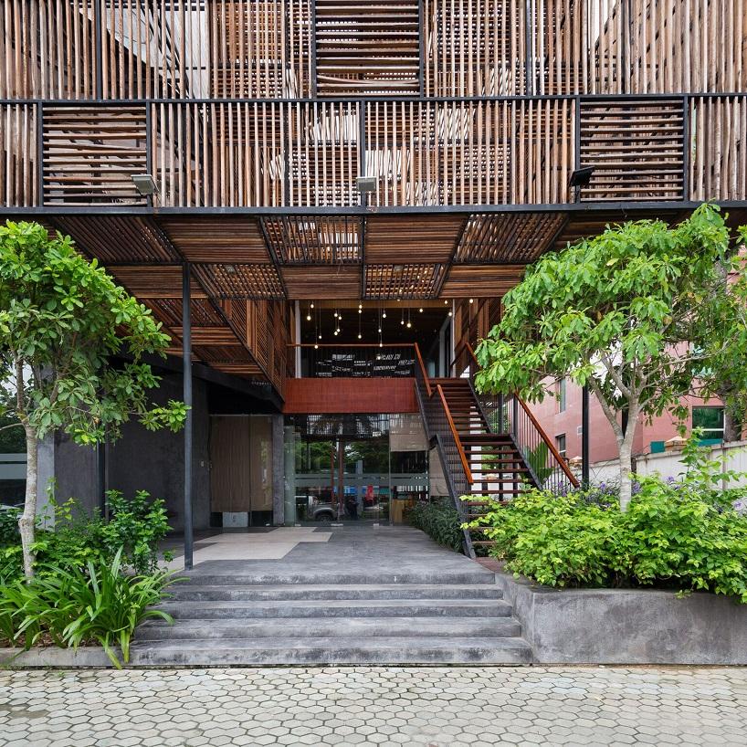 H2 Uses Reclaimed Wood To Design The Saigon Thuong Mai Hotel