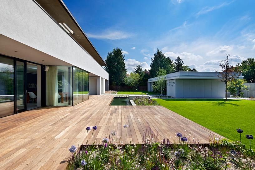 Jestico Whiles Completes Smart Villa Near Prague