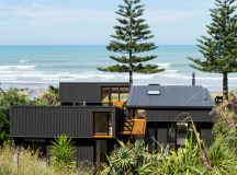 offSET shed house in new zealand by irving smith architects