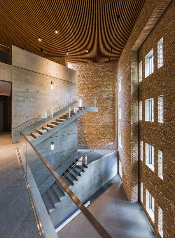Tadao Ando-designed 'wrightwood 659' Art Space Set Open