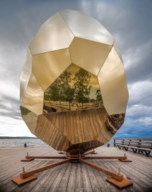 Bigert & Bergstr' Solar Egg Golden Mirrored Sauna