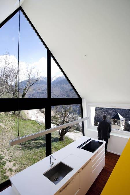 fereastra casa montana
