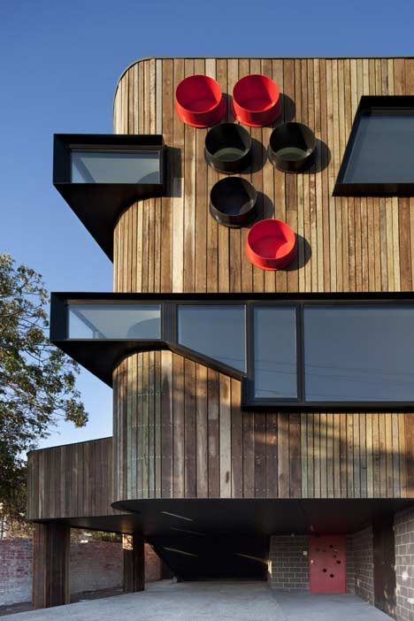 Ormond Esplanade by Judd Lysenko Marshall Architects