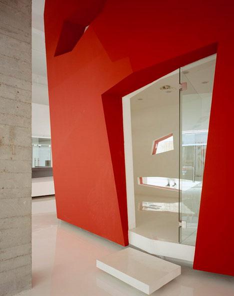 A Red Object by 3GATTI Architecture Studio