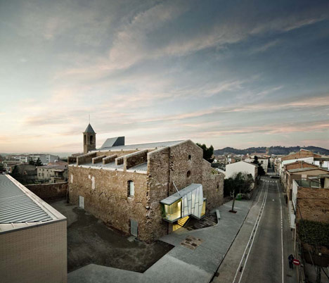 Auditorium in the Church of Saint Francis' Convent by David Closes