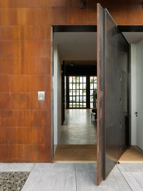 House and photography studio by Olson Kundig with pivoting