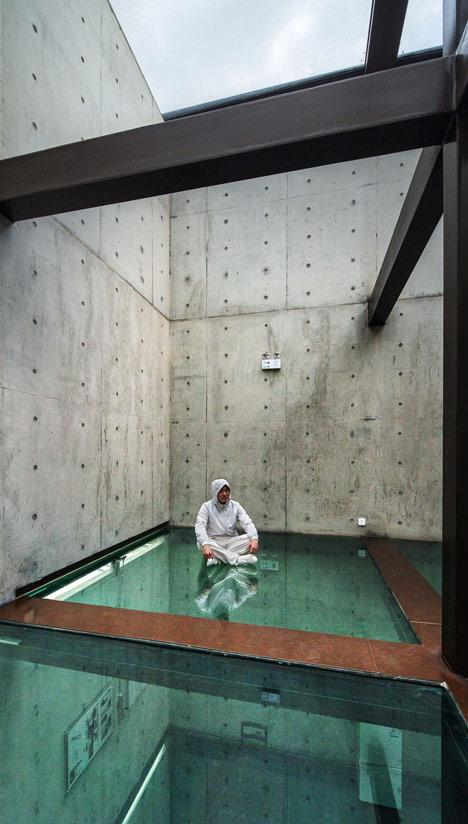House by Atelier FCJZ has glass floors instead of windows