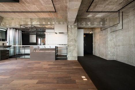 G Studio creates unfinished feel in Tokyo loft apartment