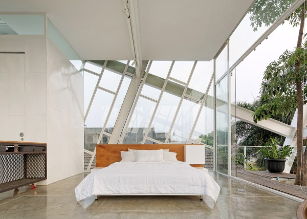 Slanted House, Jakarta