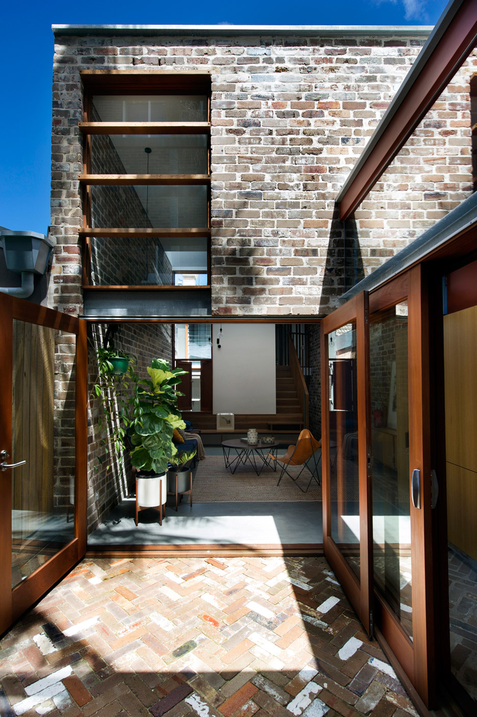 David Boyle extends Sydney terrace with reclaimed brick