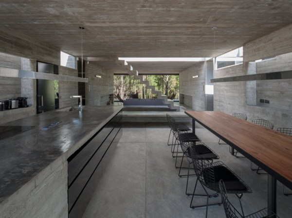Casa L4, Argentina