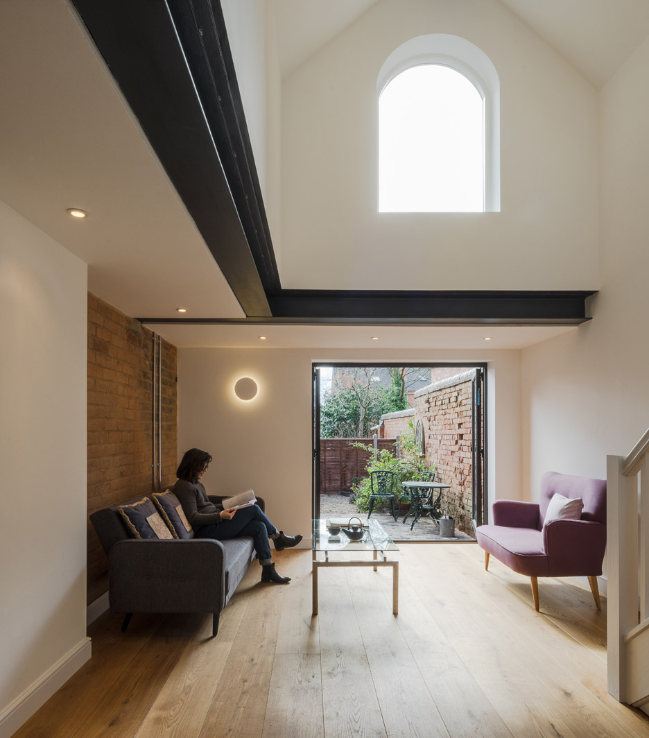Intervention Architecture Transforms Coach House Into Writer's Home