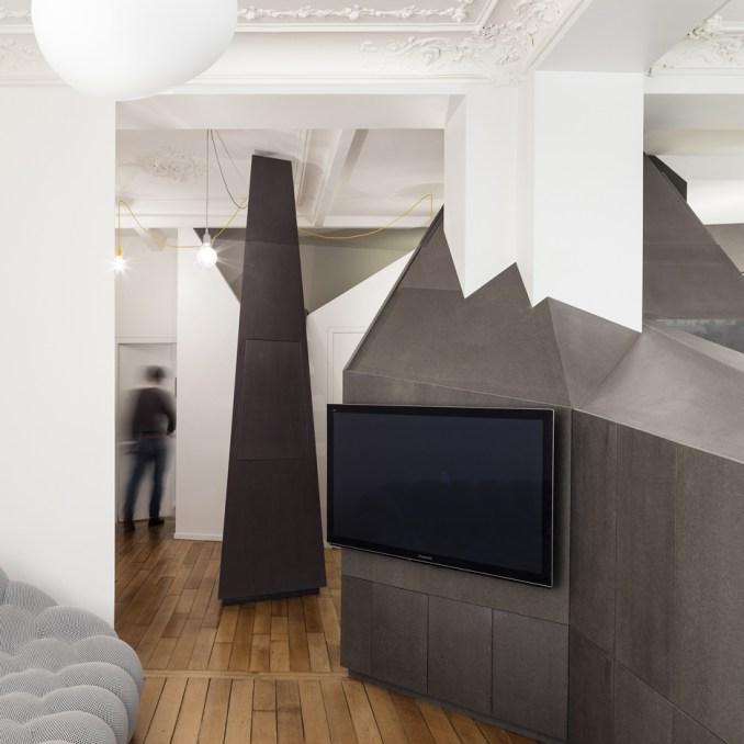 Apartment XIV by Studio Ravazi