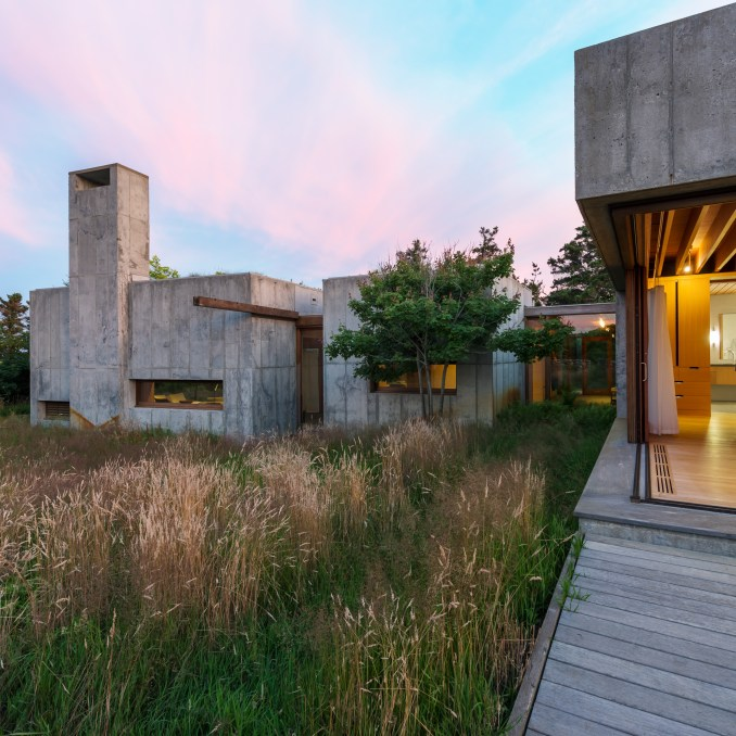 East House by Peter Rose