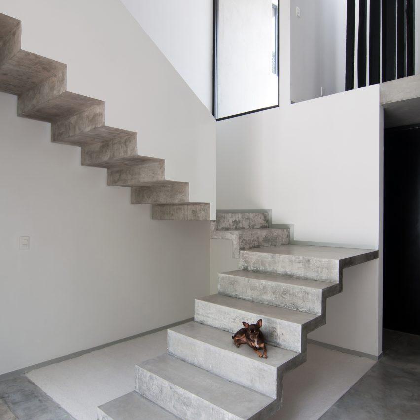 10 popular concrete home interiors from Dezeens Pinterest