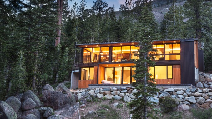 Alpine Meadows Cabin by Studio Bergtraun