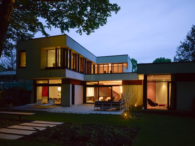Valley House by Superkül