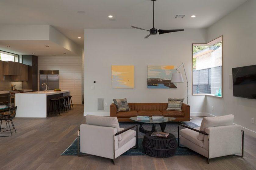 Palma Plaza Spec residence by Dick Clarke + Associates