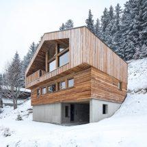 Studio Razavi Reinterprets Traditional Chalet Architecture