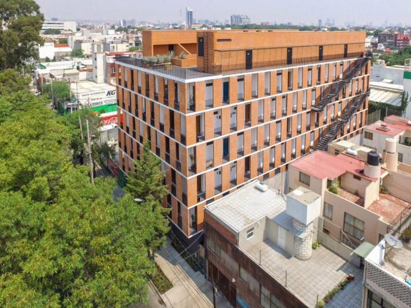 Emiliano Zapata 167 by HGR Arquitectos