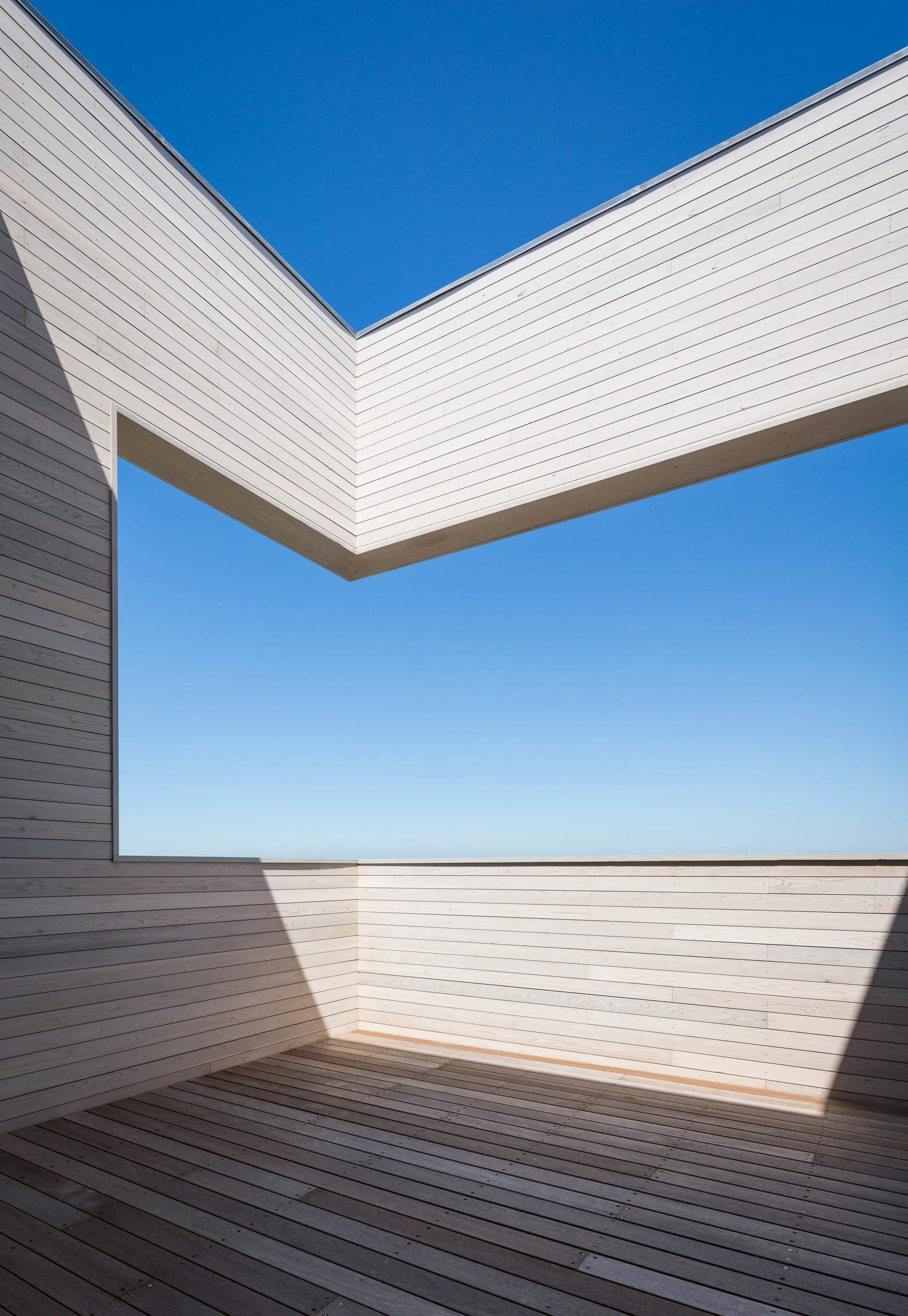 Cube House by Leroy Street Studio
