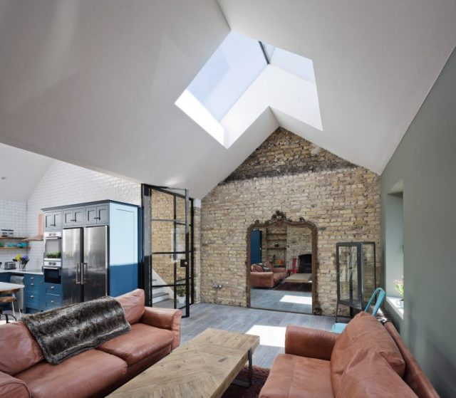 Grand Canal Street house by Scullion architects