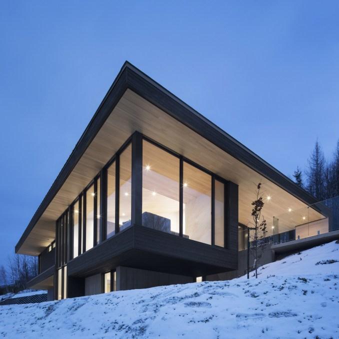 Villa Vingt by Bourgeois Lechasseur architects